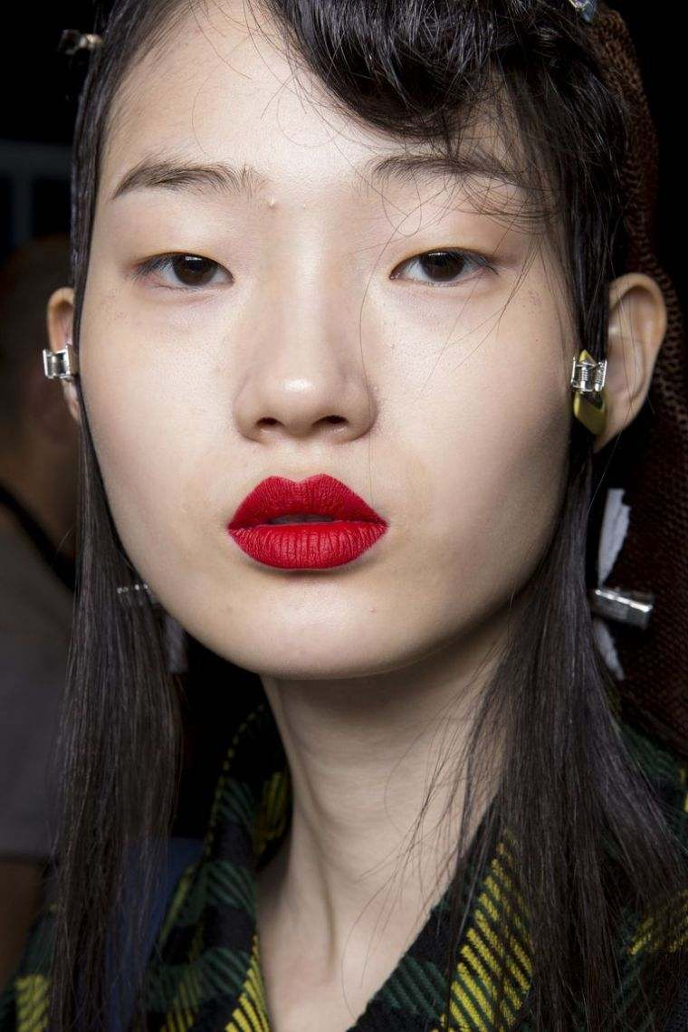 Autumn-2018-make-up-trend-collection-of-fashion