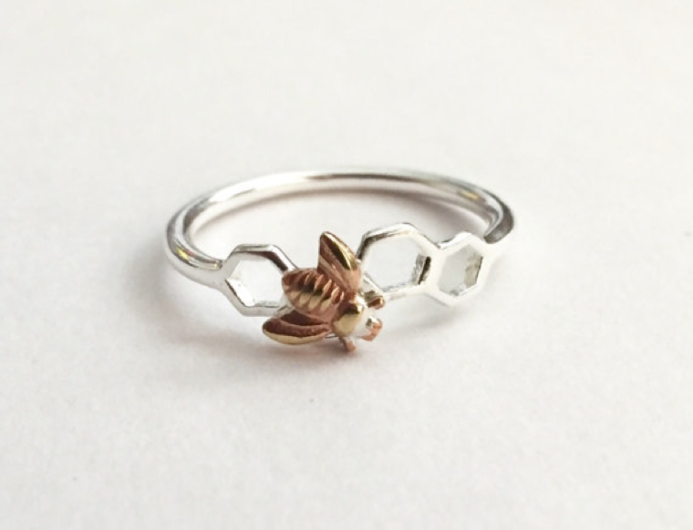 ring-with-geometry-simple-and-bee