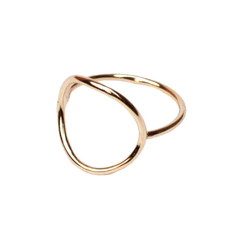 "ring-with-geometry-simple ""width ="" 760 ""height ="" 760 ""srcset ="" https://designmag.fr/wp-content/uploads/2018/03/bague-with-geometrie-simple.jpg 760w, https://designmag.fr/wp-content/uploads/2018/03/bague-avec-geometrie-simple-150x150.jpg 150w ""sizes ="" (max-width: 760px) 100vw, 760px ""/></p> <p style="