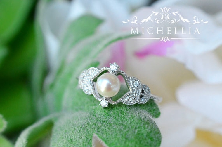 "engagement ring-Michellia-platium ""width ="" 760 ""height ="" 506 ""srcset ="" https://designmag.fr/wp-content/uploads/2018/03/bague-de-fiancailles-Michellia-platium .jpg 760w, https://designmag.fr/wp-content/uploads/2018/03/bague-de-fiancailles-Michellia-platium-720x480.jpg 720w ""sizes ="" (max-width: 760px) 100vw, 760px ""/></p> <p style="