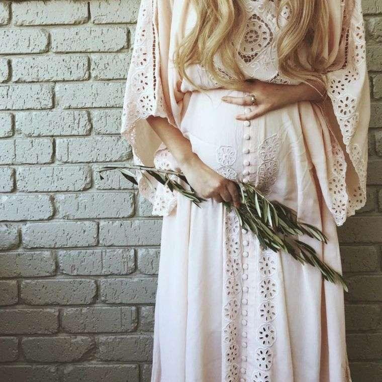"jewelry-woman-pregnant-ball-necklace ""width ="" 760 ""height ="" 761 ""srcset ="" https://designmag.fr/wp-content/uploads/2017/07/bijoux-femme-enceinte-boule-collier .jpg 760w, https://designmag.fr/wp-content/uploads/2017/07/bijoux-femme-enceinte-boule-collier-150x150.jpg 150w ""sizes ="" (max-width: 760px) 100vw, 760px ""/></p> <p style="