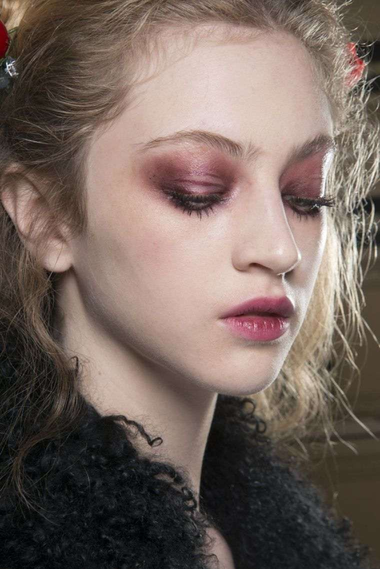 shadow-a-eyelids-trend-2018-fall