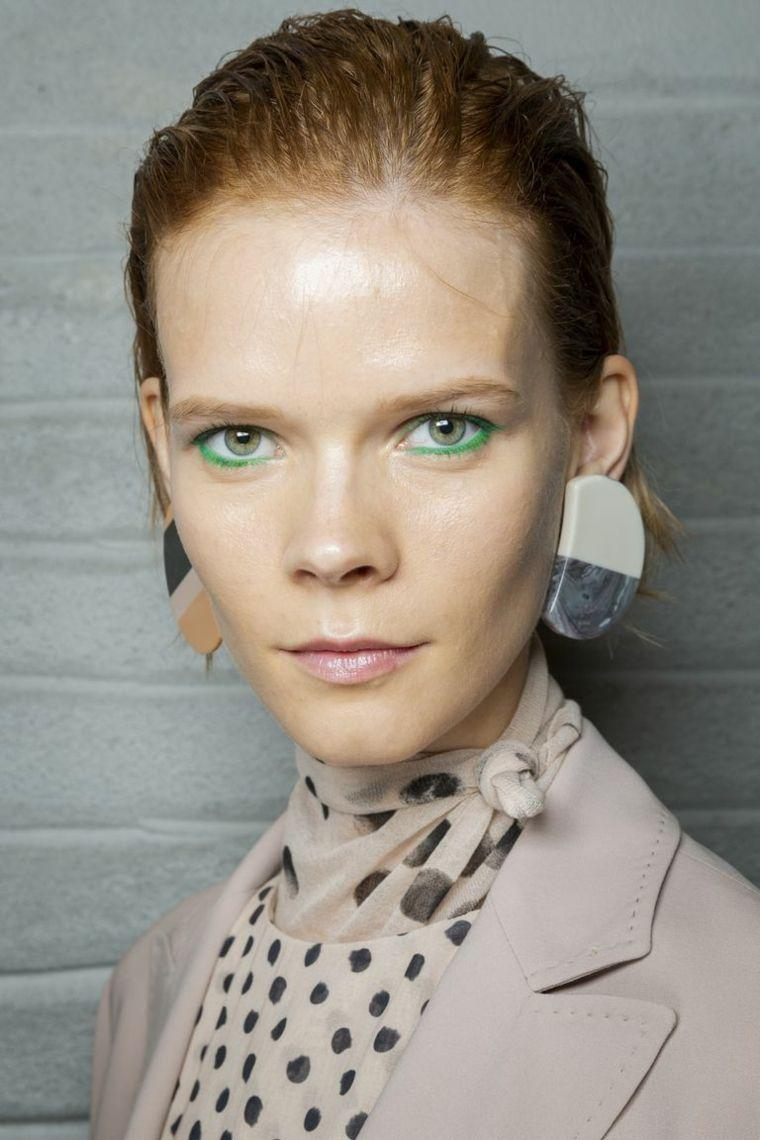makeup-trends-2019-woman-face-eyes