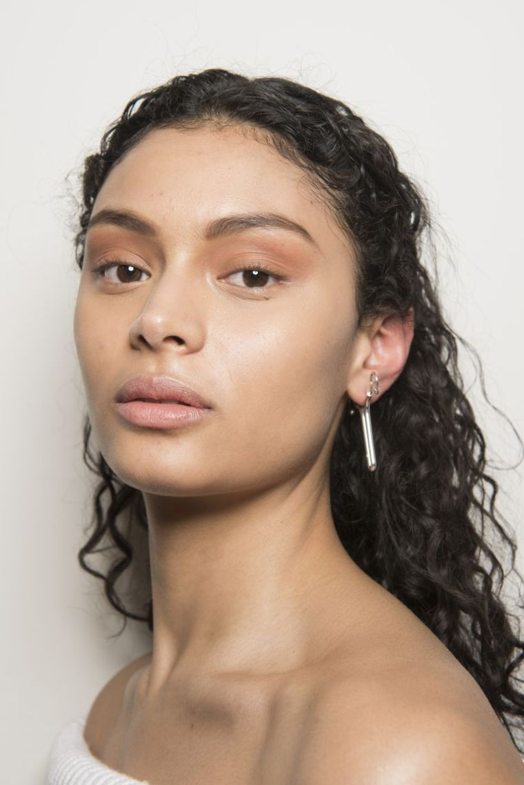 makeup-nude-model-face-woman-trends-fall-2018