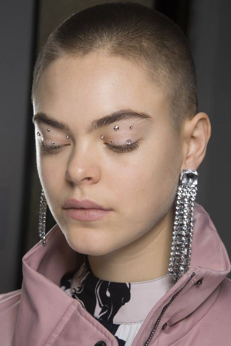 makeup-trends-fall-2018-catwalk-of-fashion