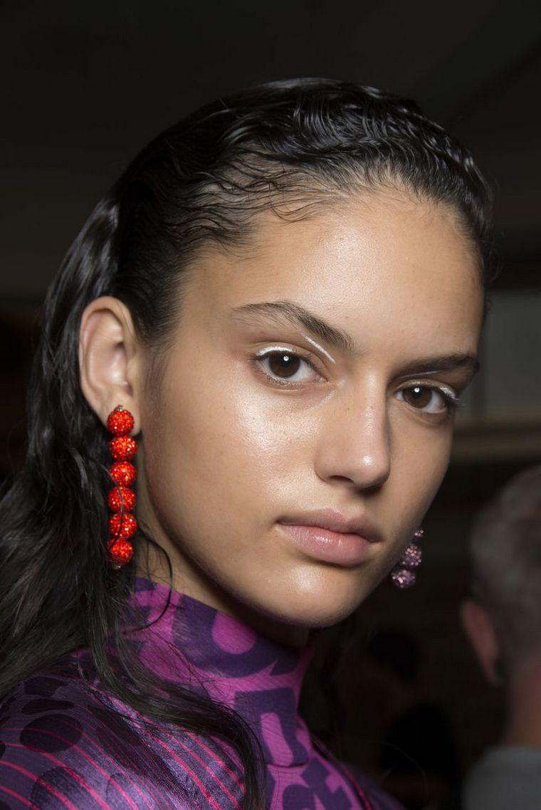 makeup-trends-spring-2019-House-Holland
