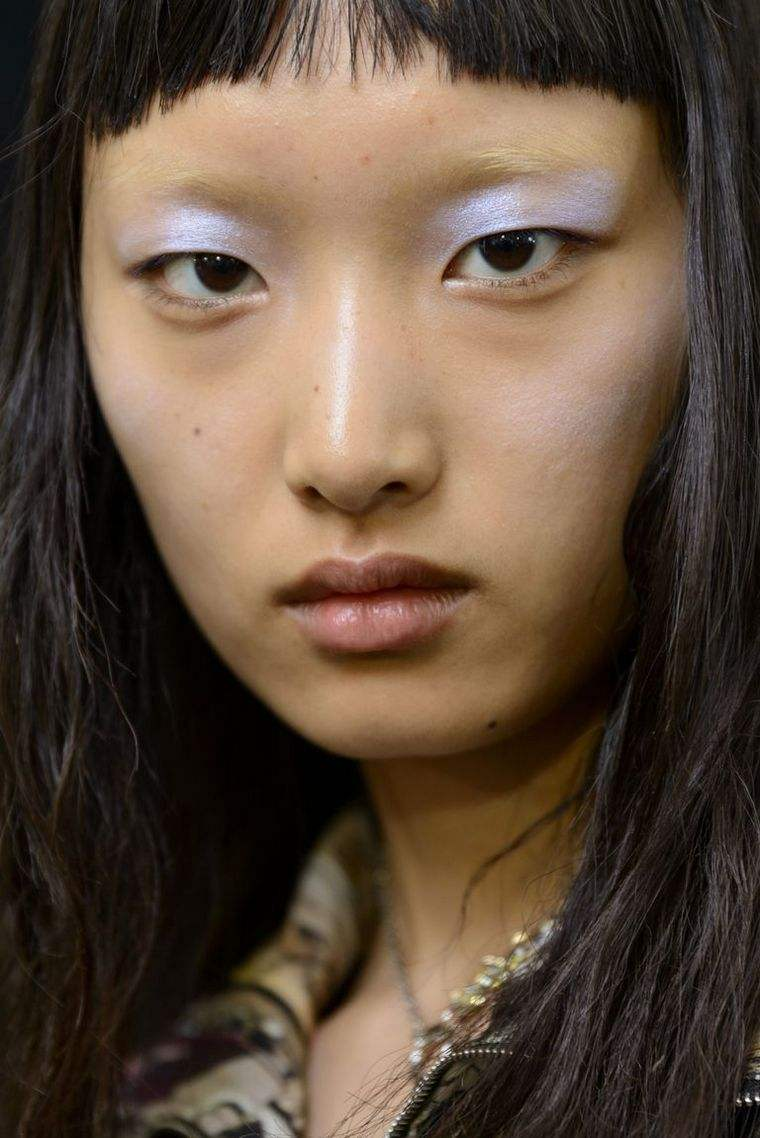 trendy makeup spring-2019-acne