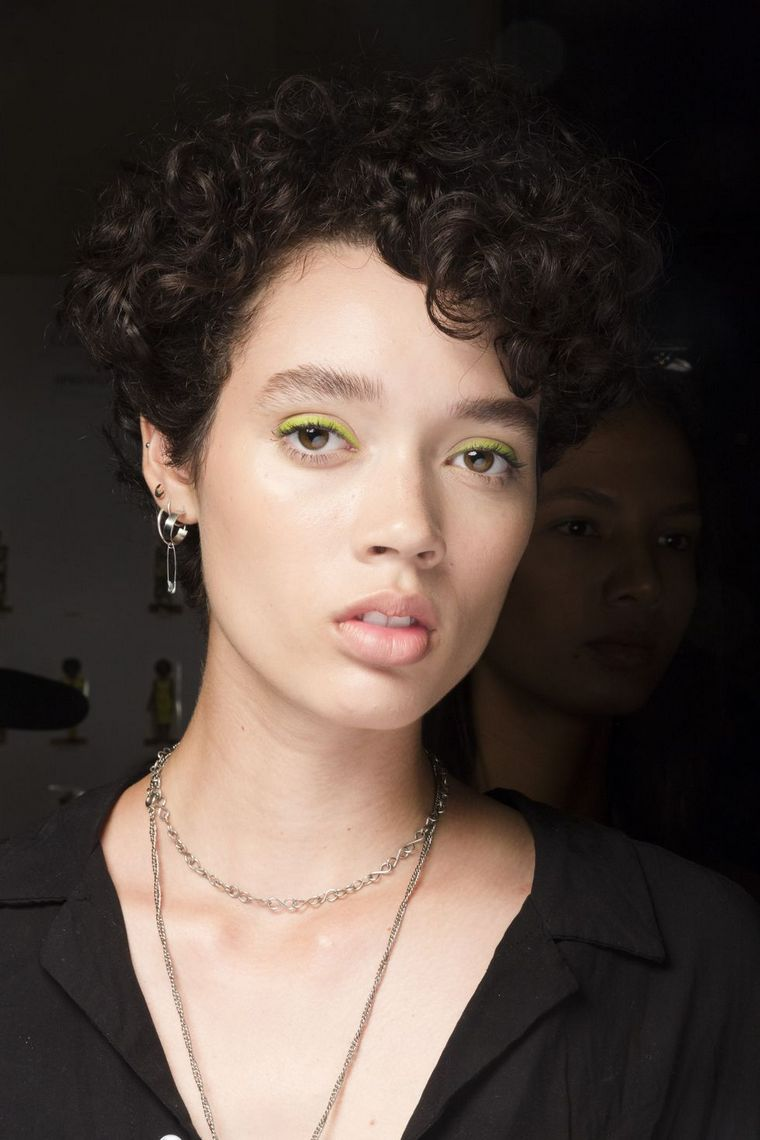 makeup-trends-spring-2019-christian-siriano