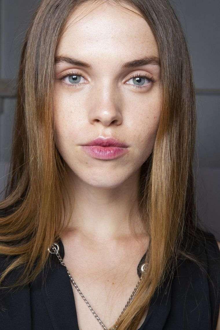 makeup-trends-spring-2019-Jonattan-Simkhai