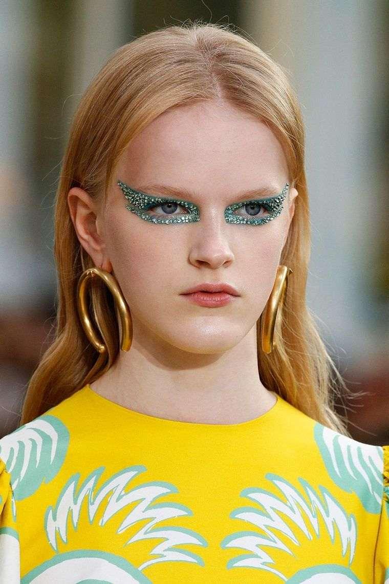 makeup-face-trend-woman-2019