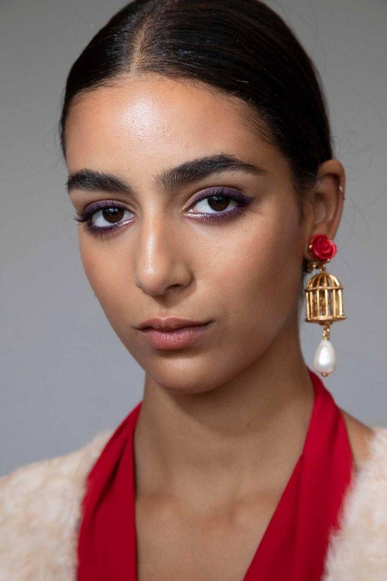 fashion-trend-woman-makeup-2019