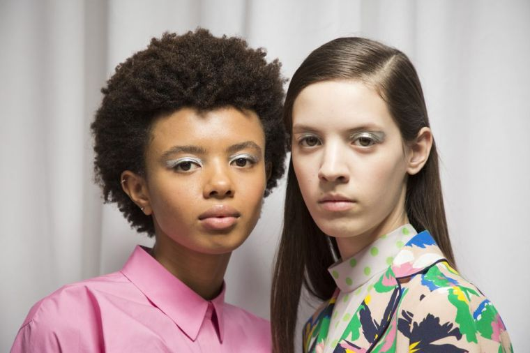 """model-make-up-face-trend-fall-winter """"width ="""" 760 """"height ="""" 506 """"srcset ="""" https://designmag.fr/wp-content/uploads/2018/09/model-making-vising-trend -automne-hiver.jpg 760w, https://designmag.fr/wp-content/uploads/2018/09/modele-maquillage-visage-tendance-automne-hiver-720x480.jpg 720w """"sizes ="""" (max-width : 760px) 100vw, 760px """"</p> <!-- WP QUADS Content Ad Plugin v. 1.8.8 --> <div class="""