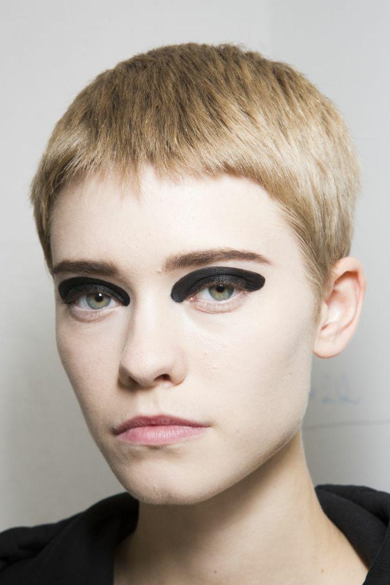 photo-makeup-woman-2019-most-beautiful-trends
