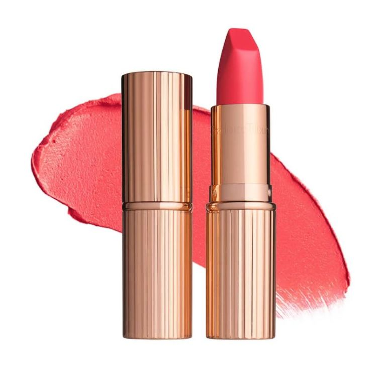 red lip-a-coral-makeup-2019-trend