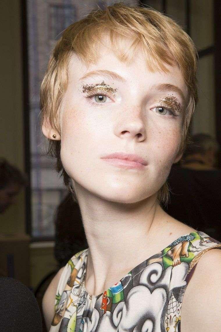 trend-woman-makeup-fashion-2019