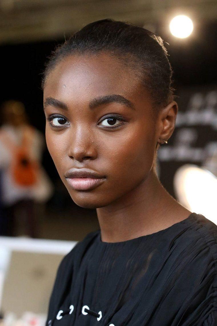 trend-fashion-makeup-catwalk-2019