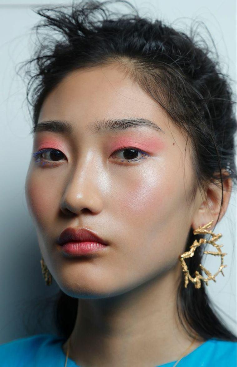 trends-of-makeup-for-women-2019