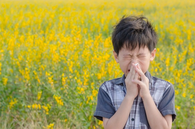 allergic reaction to pollen-sneezing