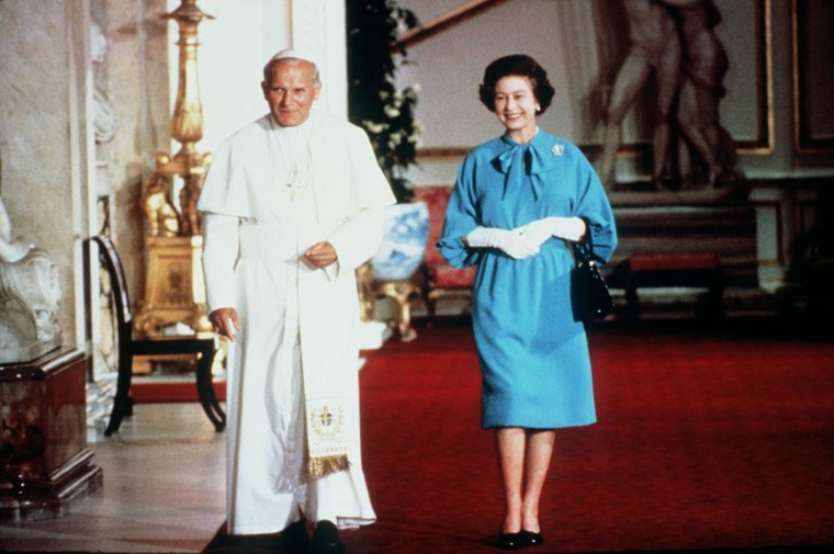 Queen Elizabeth II and Pope John Paul II