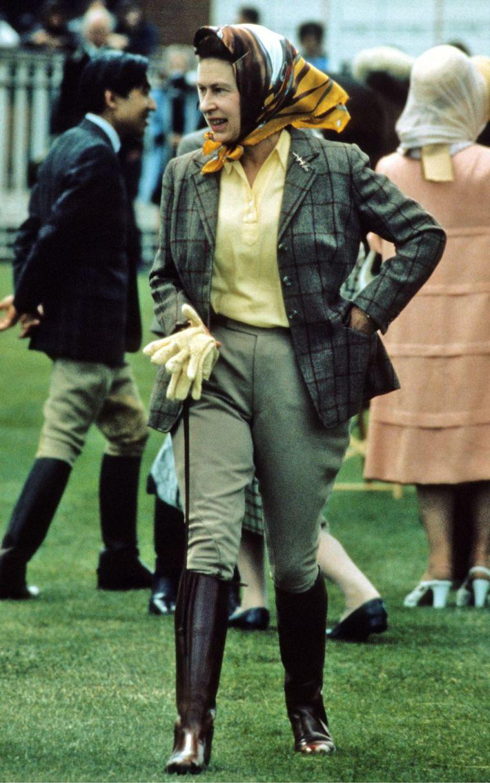 Elizabeth II sportswear