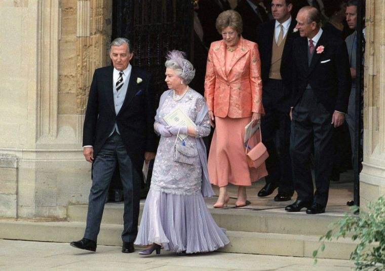 Formal outfits of Queen Elizabeth II of England