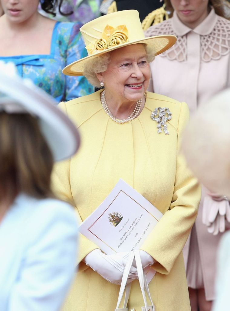 2011 Queen Elizabeth's outfits