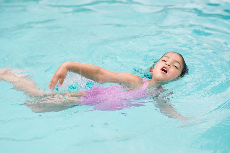 learn to swim early crawl