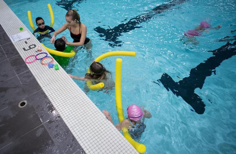 learn to swim pool
