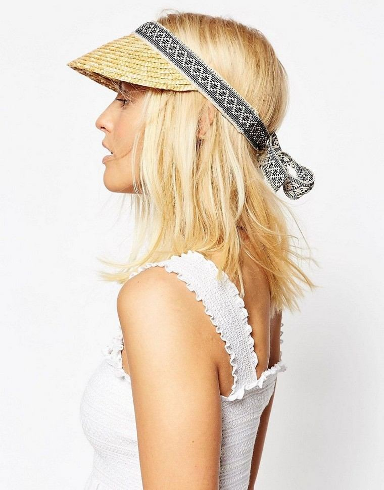 woman look summer outfit hat cap