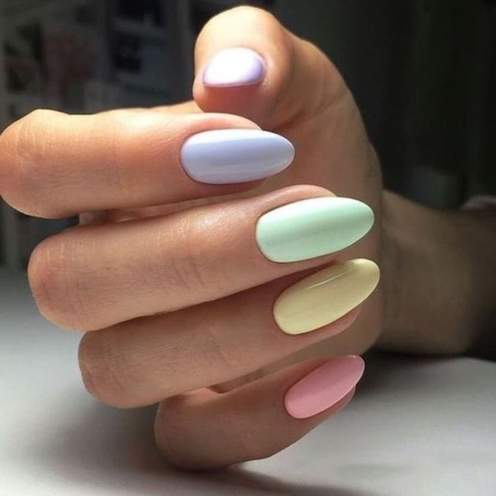 Deco nails for summer in pastel color