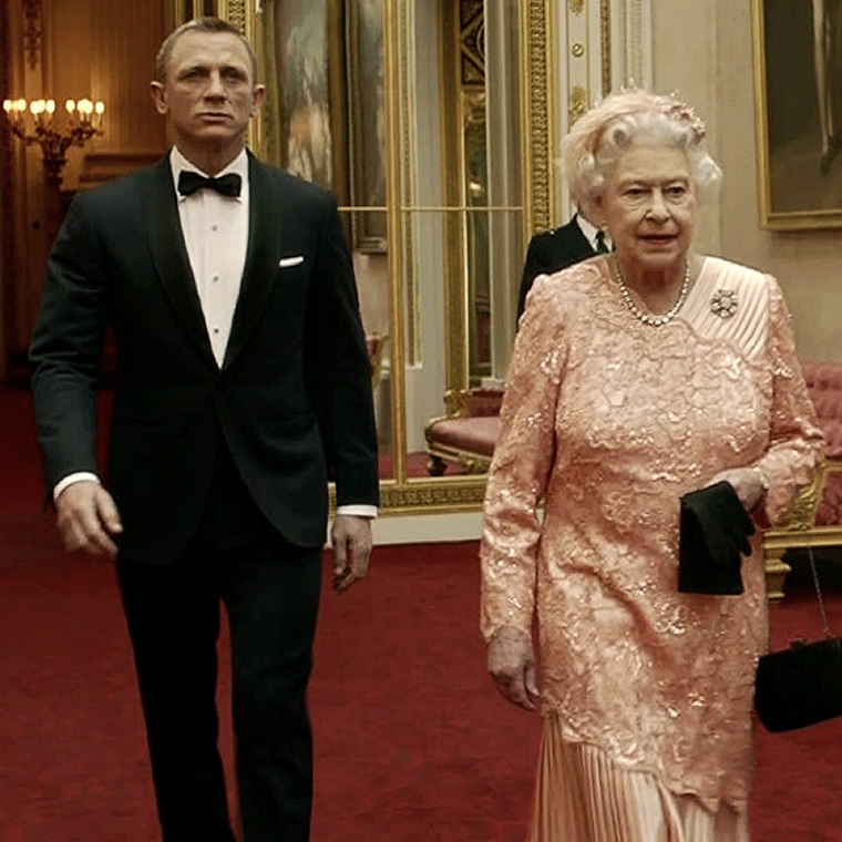 James Bond Queen Elizabeth