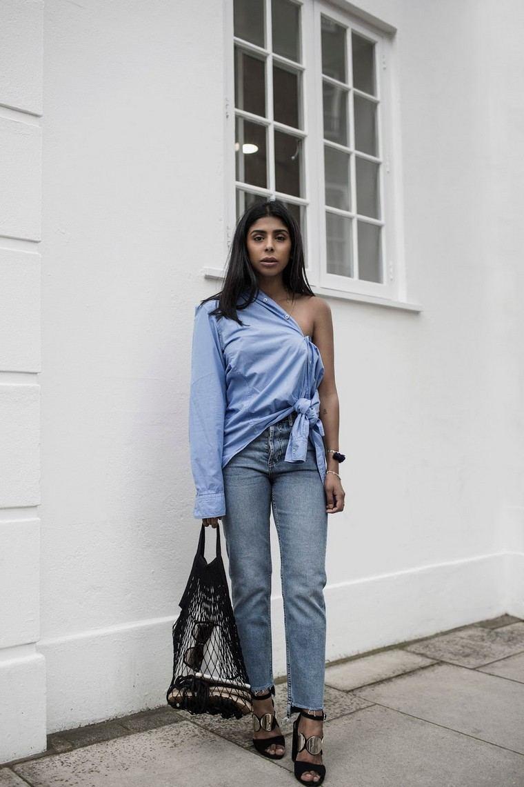 street sty; e woman summer 2019 look outfit blue shirt jeans