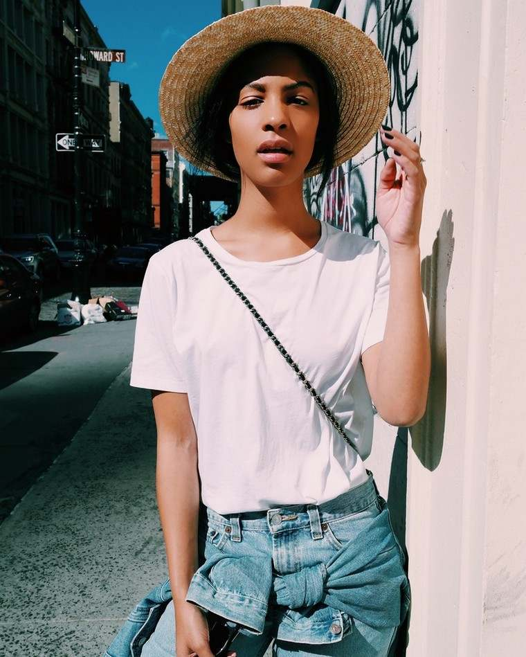 cool woman hat and summer outfit idea