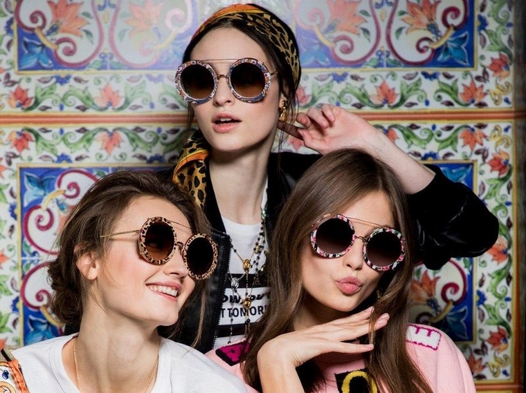 trendy sunglasses 2019 frames with Dolce and Gabanna patterns