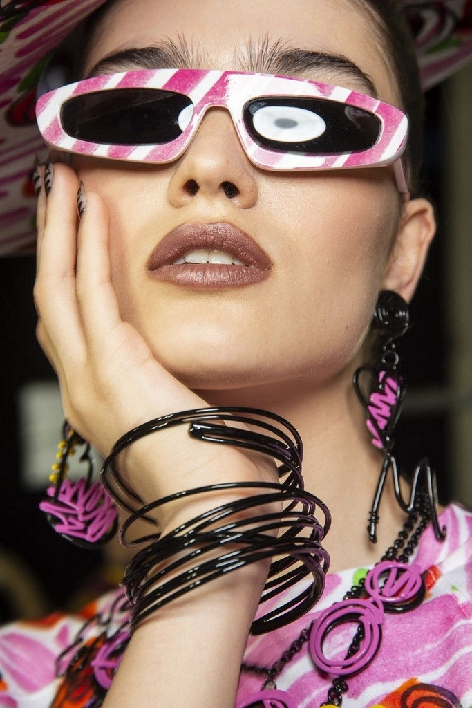 trendy sunglasses 2019 frames with Moschino woman pattern