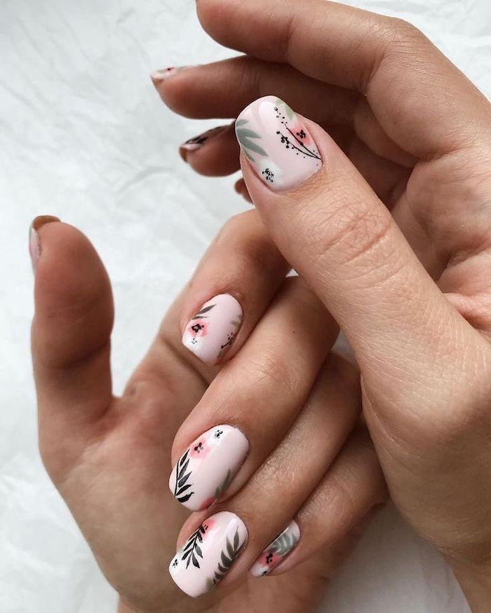 Nail art and trendy decor for the summer