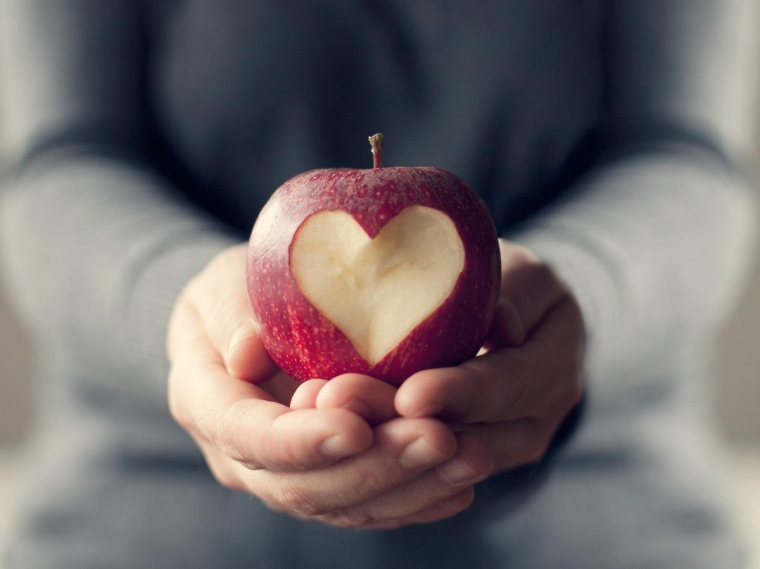 the apple is good for the heart