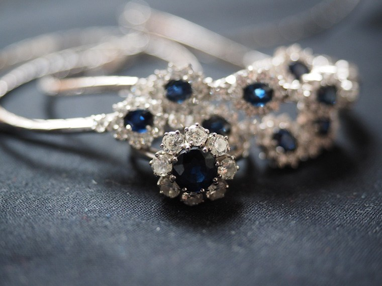 jeweler parisian gems