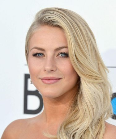 hairstyles with side stripe waves