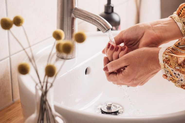 wash your hands against bacteria
