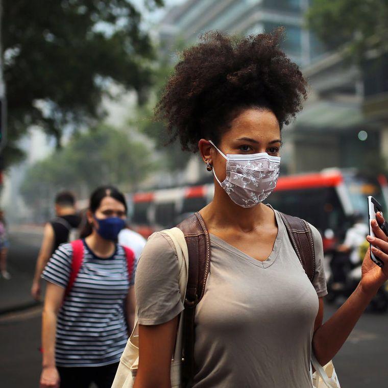 wear a coronavirus mask