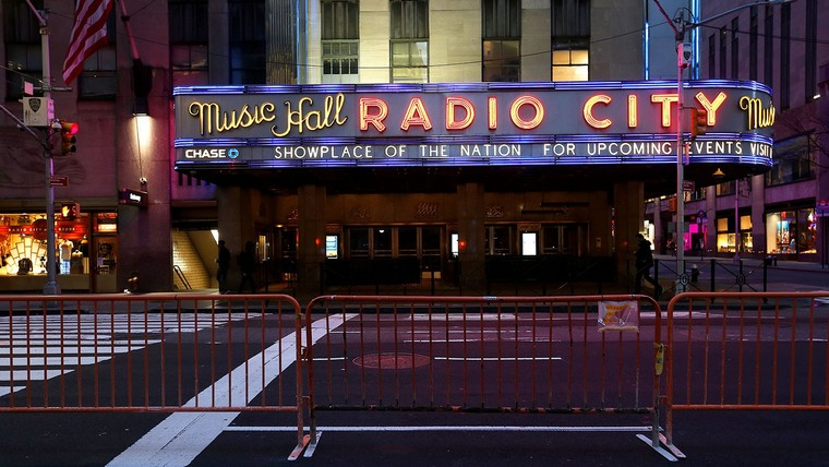 theaters cinemas closed rooms
