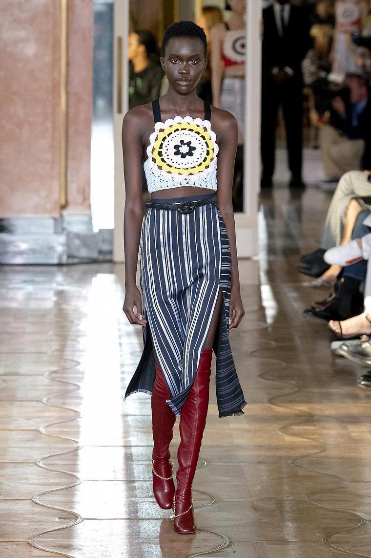 top short fashion trend woman altuzarra
