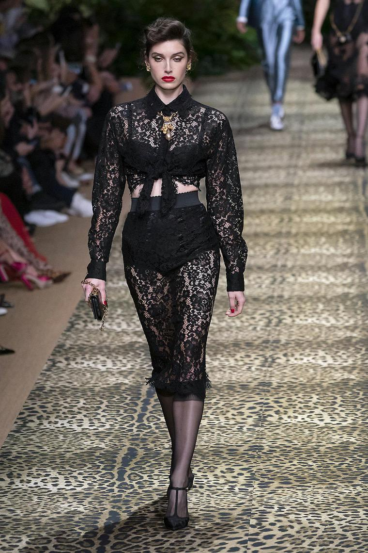 2020 fashion woman outfit