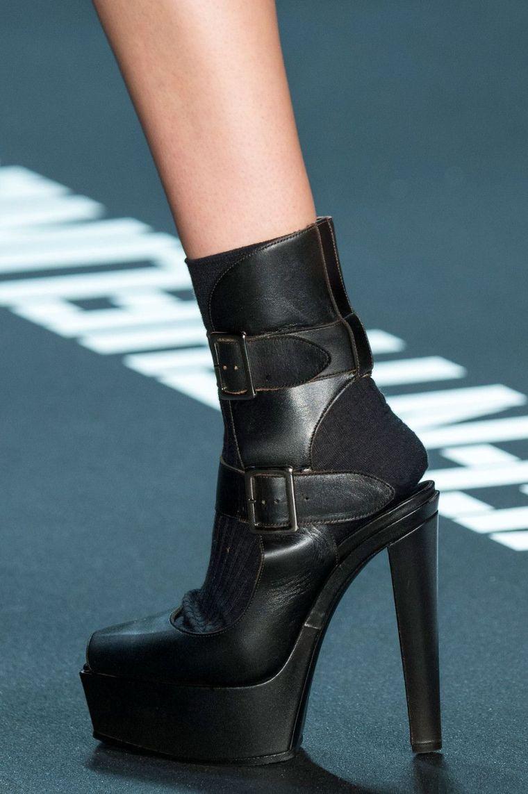 heeled moccasins by Vera Wang