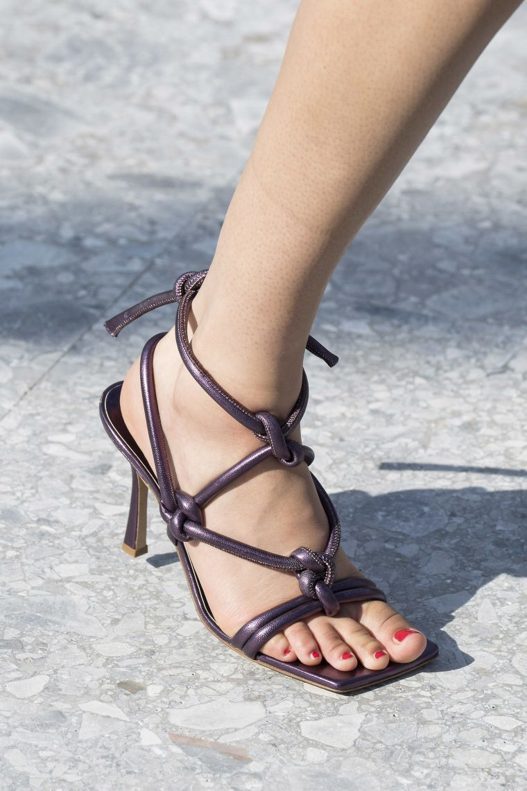 square toe sandals for summer
