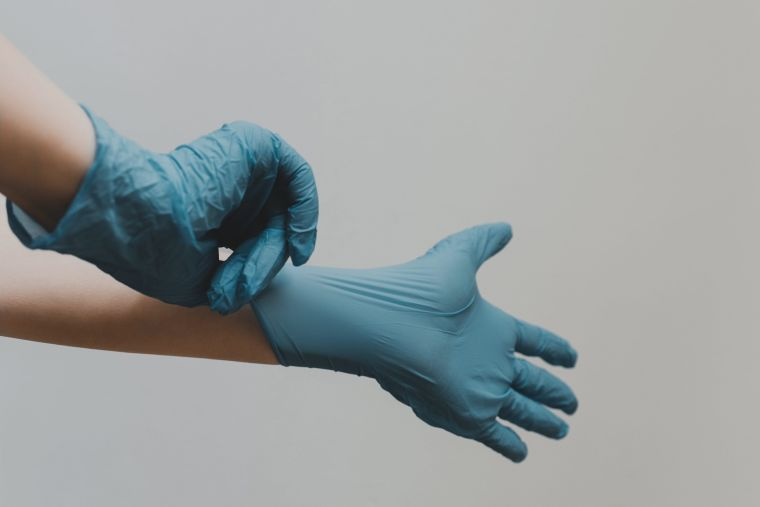 do gloves protect against coronavirus