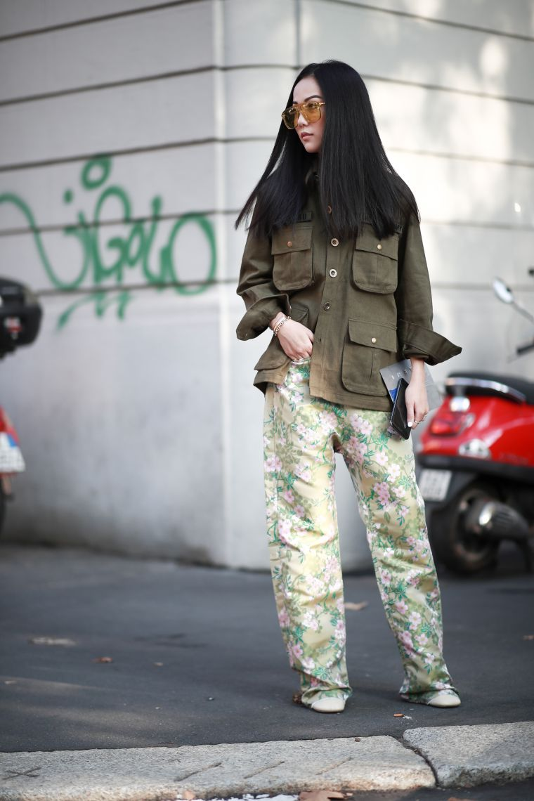 wide pants with floral patterns