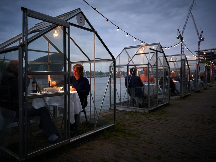 restaurant Amsterdam distancing respected