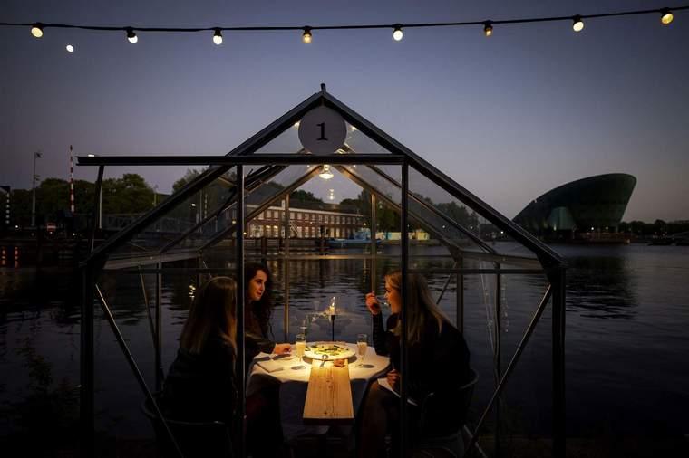 restaurant glass house coronavirus